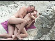 Sexe en plein air à la plage