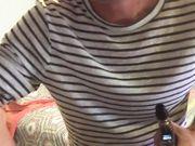 Un jeune homme rencontre une femme mûre pour le sexe